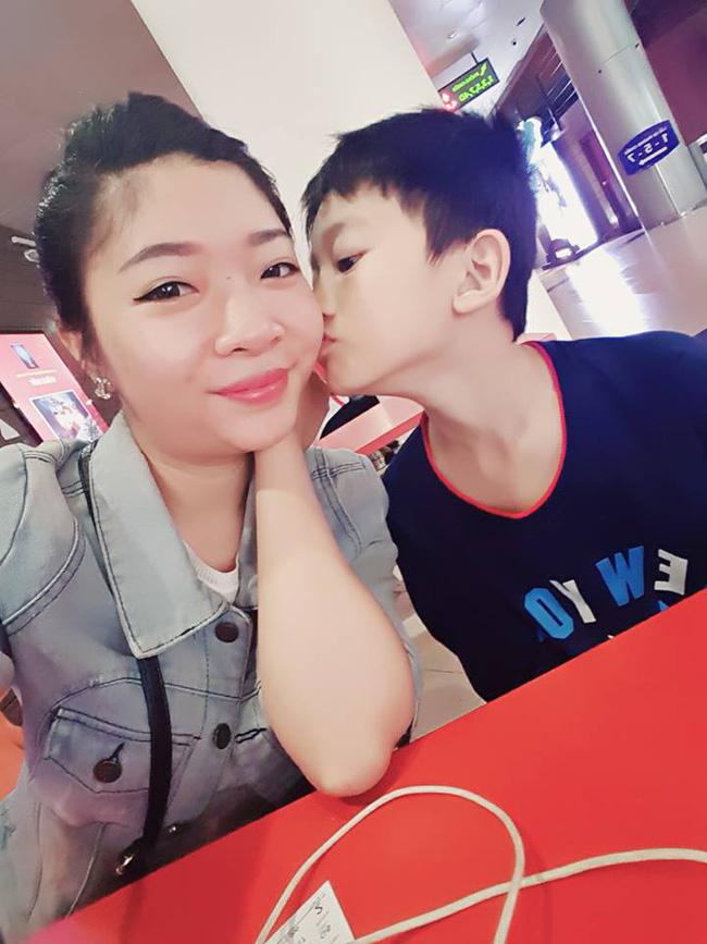Bà mẹ kế xinh đẹp và hành trình chinh phục con chồng quá dễ thương khiến ai nghe cũng phải tủm tỉm cười - Ảnh 4.
