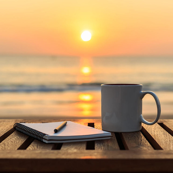 Những thời điểm và thói quen uống cà phê gây hại nhiều hơn là có lợi - Ảnh 4.