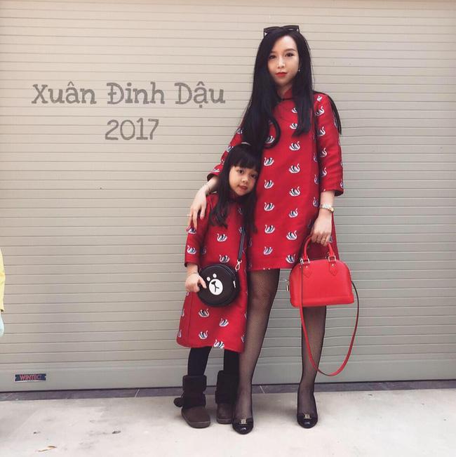 Sánh đôi cùng con gái, bà mẹ xinh đẹp bị lầm tưởng hai chị em - Ảnh 2.