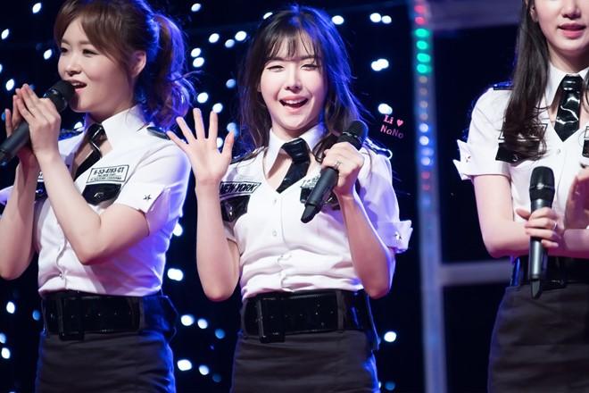 Hot girl hát hay, nhảy đẹp gây bão trên sóng truyền hình Hàn Quốc - Ảnh 5.