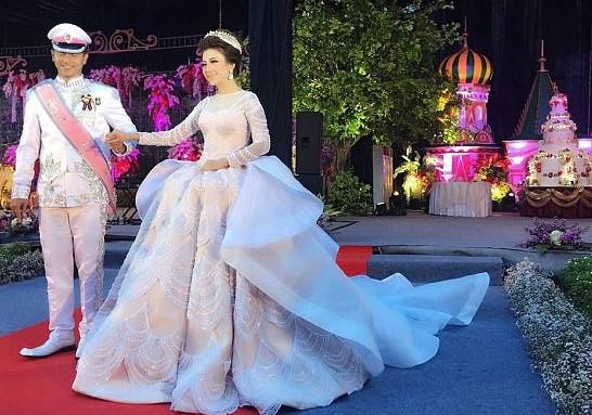 Cô dâu sở hữu bộ váy cưới nhiều like nhất Instagram - Ảnh 4.