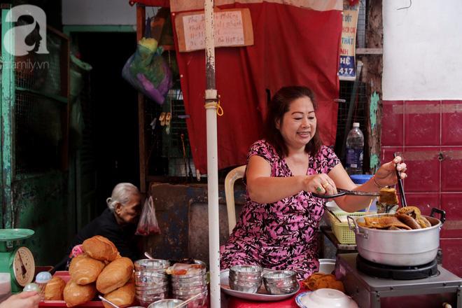 Chuyện cô Ba Sài Gòn có nụ cười giòn tan: Bán phá lấu 28 năm, nuôi 7 miệng ăn và mua nhà 3 tỷ - ảnh 4