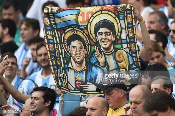 Hé lộ lý do khiến Messi không mời huyền thoại Maradona dự đám cưới - Ảnh 4.