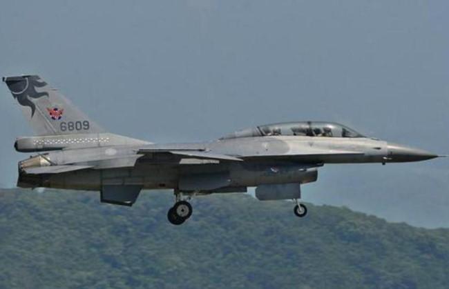 Mỹ tăng mạnh chi tiêu quân sự và bán vũ khí cho Đài Loan - Ảnh 3.