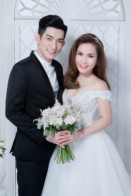 Chồng cũ Phi Thanh Vân khoe tiệc cưới 2 tỷ đồng khi lấy vợ lần 3 - Ảnh 4.