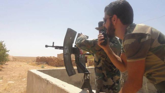 """""""Hổ Syria"""" sát cánh quân tình nguyện tiến đánh IS trên chiến trường Hama - Ảnh 4."""