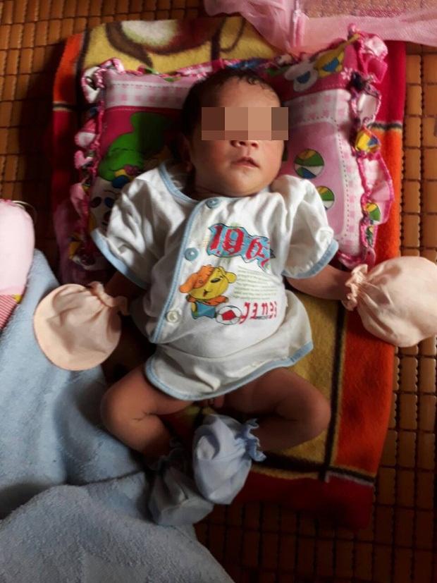 Xót cảnh người mẹ điên ú ớ chăm con gái 10 ngày tuổi không biết mặt bố là ai vì bị hiếp dâm - Ảnh 7.