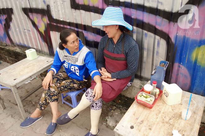 Bò và Vịt đôi chị em bán hàng dễ thương nhất Sài Gòn: Thân như ruột thịt, đắt thì đắt chung, ế cũng ế cùng - Ảnh 4.