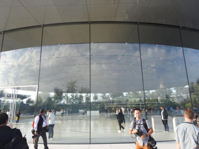 Bên trong Nhà hát Steve Jobs - nơi diễn ra sự kiện Apple - một tuyệt tác như chính chiếc iPhone vậy - Ảnh 4.