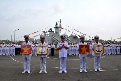 [ẢNH] Bàn giao và thượng cờ hai tàu tên lửa hiện đại 382 và 383  - Ảnh 4.