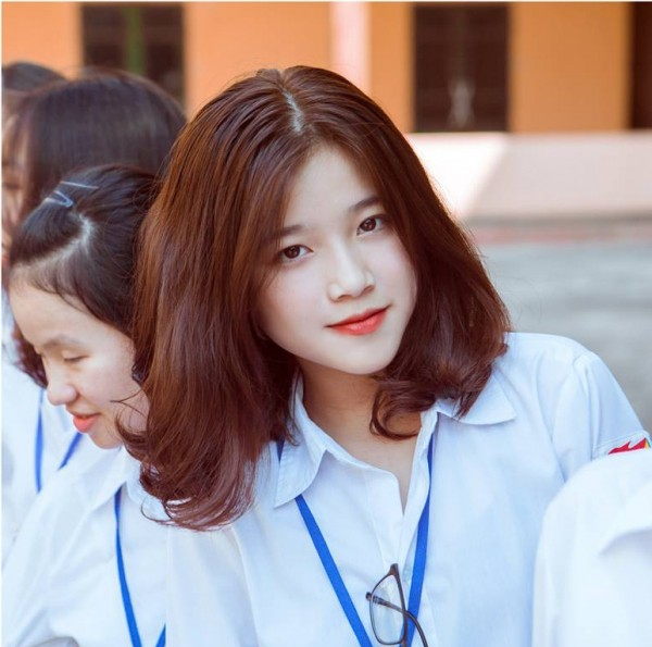 Nữ sinh 10X xinh xắn bỗng chốc nổi tiếng vì giống… hot teen ung thư Linh Ka - ảnh 3