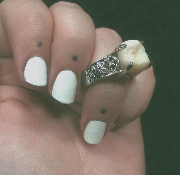 Không muốn nhẫn kim cương, cô gái này chỉ yêu cầu bạn trai tặng một thứ đặc biệt mà ai nghe cũng nhức nhối - Ảnh 4.