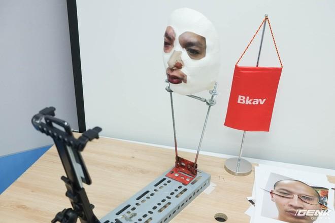 Vẫn còn quá nhiều nghi vấn về phương pháp qua mặt Face ID của BKAV - Ảnh 4.