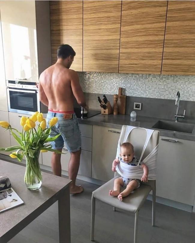 16 sáng kiến trông con của hội bố mẹ bỉm sữa siêu lười - Ảnh 4.