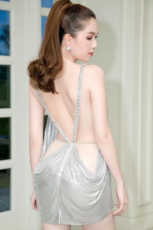 Vuột danh hiệu Vòng eo 56, Ngọc Trinh vẫn là mỹ nữ khoe lưng gợi cảm nhất Vbiz - Ảnh 4.