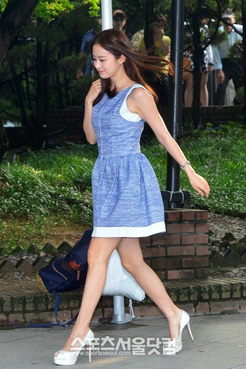 Bí quyết thời trang để Kim Tae Hee trẻ như 18 khi đã gần 40 - Ảnh 13.