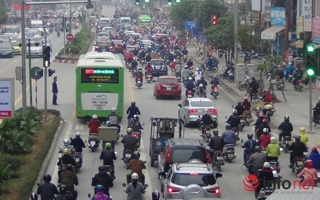 Tại sao CSGT chưa xử lý người chặn đường xe buýt nhanh BRT? - Ảnh 5.
