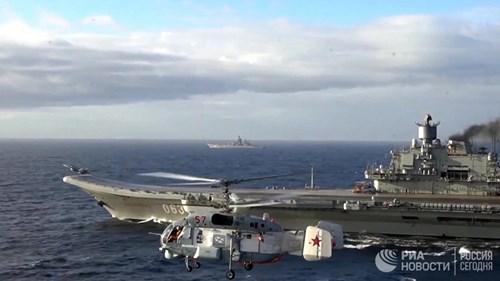 [ẢNH] Khoảnh khắc đẹp của tàu sân bay Nga tham chiến ở Syria - Ảnh 4.
