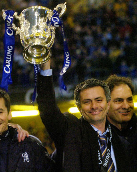 Mourinho và Người đặc biệt mới khẩu chiến trước thềm trận chiến - Ảnh 5.