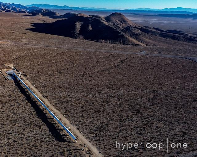 Ngắm nhìn đường tàu Hyperloop thử nghiệm tại sa mạc Nevada - Ảnh 4.