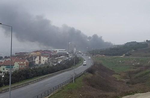 Máy bay trực thăng đâm trúng tháp truyền hình, 5 người chết - Ảnh 5.