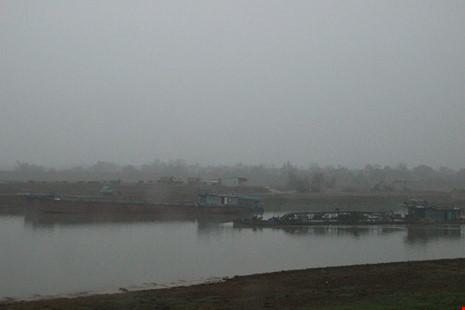 Cận cảnh đoạn sông khiến chủ tịch Bắc Ninh bị de dọa - Ảnh 5.