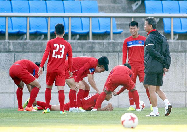 Hot boy U20 VN khiến HLV Hoàng Anh Tuấn âu lo - Ảnh 5.