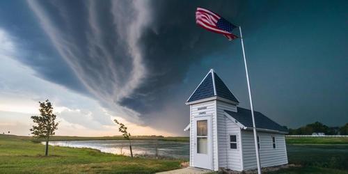 Cơn bão kỳ lạ phá tan tành cả một thành phố năm 1674 - Ảnh 4.