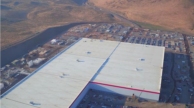 Cùng ngắm nhìn vẻ bề ngoài của siêu nhà máy khổng lồ Tesla Gigafactory rộng tới hơn 5 triệu mét vuông - Ảnh 5.