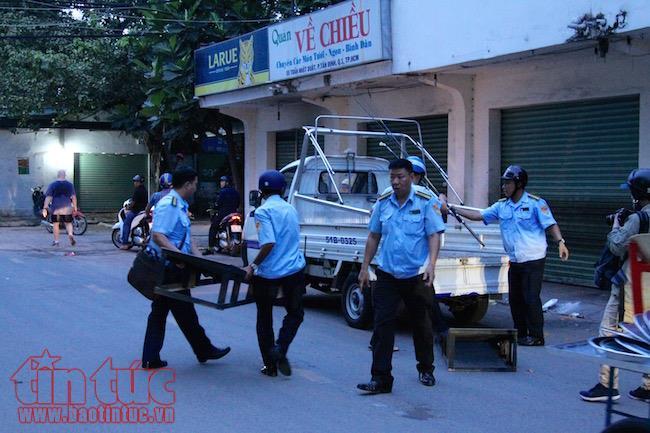 Ông Đoàn Ngọc Hải 'tha' cho lái xe ôm tiểu bậy trên đường - ảnh 4