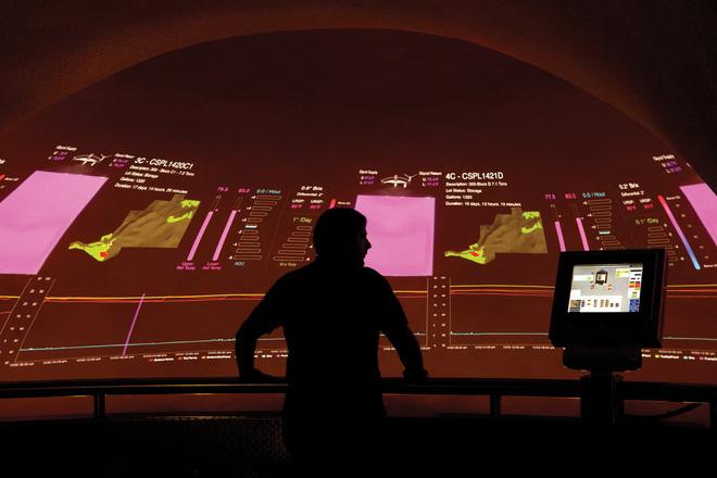 Ghé thăm những hầm ủ rượu vang công nghệ cao trông chẳng khác gì các kho vũ khí hạt nhân - Ảnh 5.