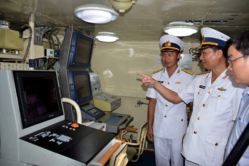 [ẢNH] Bàn giao và thượng cờ hai tàu tên lửa hiện đại 382 và 383  - Ảnh 5.