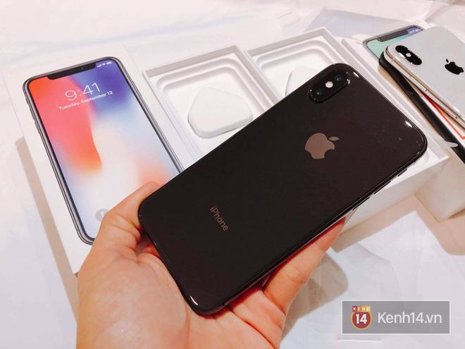 NÓNG: Đây là iPhone X 256GB đầu tiên sẽ về đến Việt Nam sáng nay, đầy đủ màu, giá 68 triệu đồng - Ảnh 5.