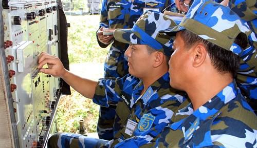 Diễn tập các đơn vị tên lửa S-300PMU1 - Ảnh 5.