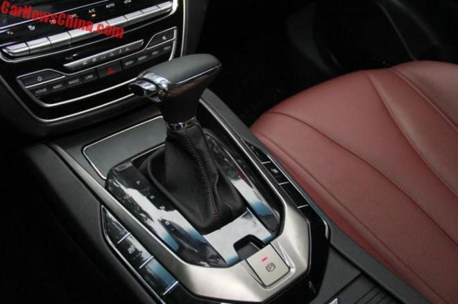 'Phát sốt' chiếc ô tô giá rẻ 230 triệu đồng 'siêu đẹp' vừa lên kệ - Ảnh 4.
