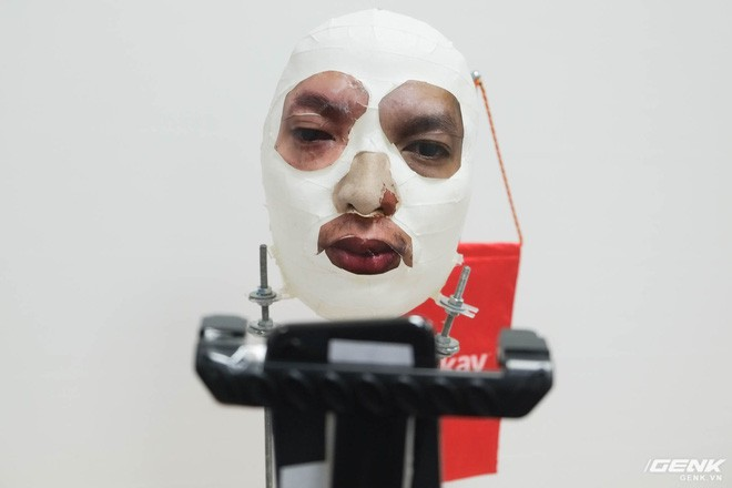 CEO Nguyễn Tử Quảng nói về cách qua mặt Face ID: Nó biết đâu là mặt thật, mặt giả nhưng mặt nửa giả nửa thật thì sao? - Ảnh 4.