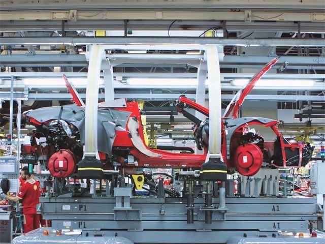 Ferrari truyền đam mê cho cả robot lắp ráp - Ảnh 5.