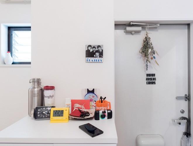 Cận cảnh căn hộ siêu gọn gàng, tiêu biểu cho phong cách tối giản ở Nhật - Ảnh 5.