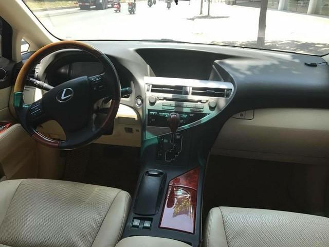 Đi 7 năm, Lexus RX350 hạ giá một nửa tại Hà Nội - Ảnh 4.