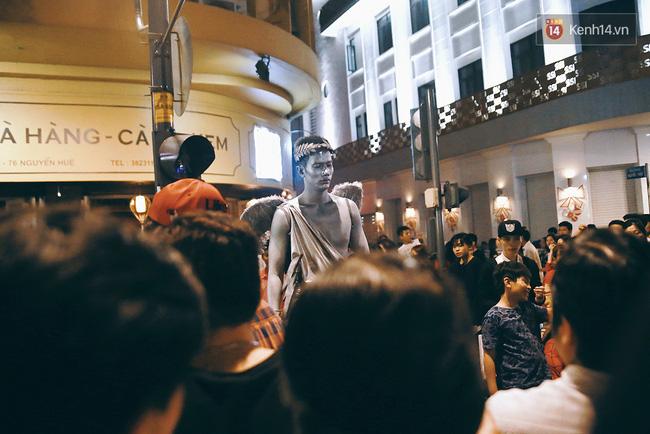 Chuyện chưa kể về chàng thiên thần bất động suốt 5 giờ đồng hồ vào đêm giao thừa ở Sài Gòn - Ảnh 6.