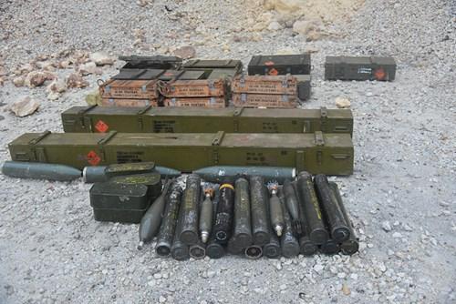 Công binh Nga cày xới từng mét đất Aleppo - Ảnh 5.