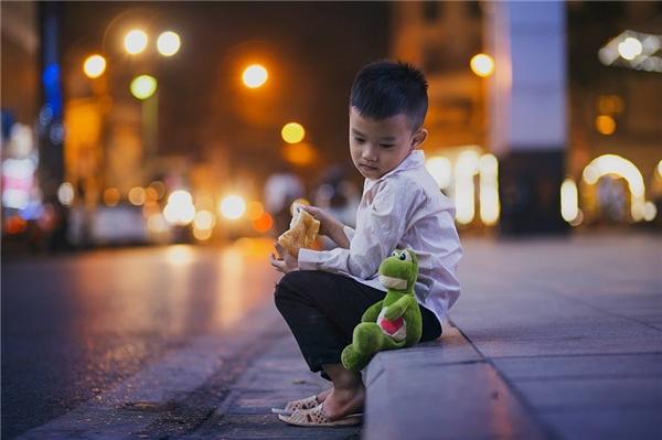 Sự thật bất ngờ về cậu bé đánh giày đang gây bão cộng đồng mạng - Ảnh 6.