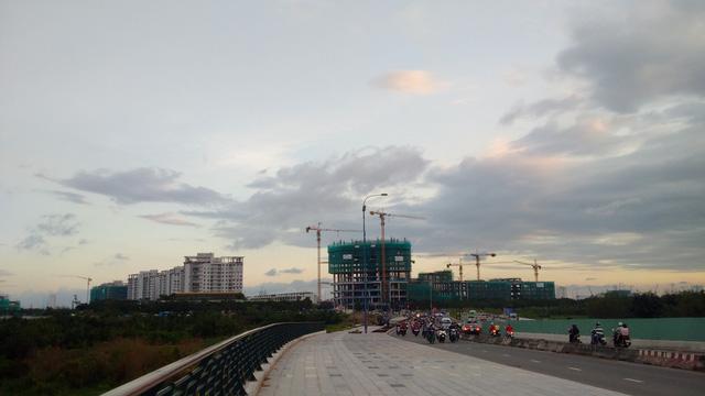 Cận cảnh đại công trường bán đảo Thủ Thiêm sau 4 năm ồ ạt xây dựng - Ảnh 6.