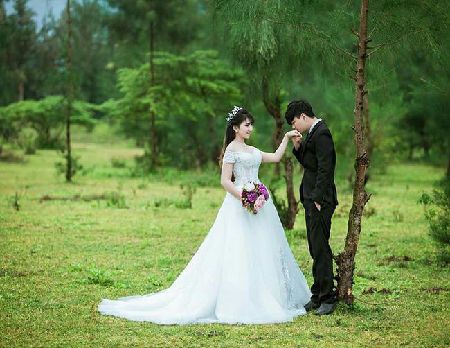 Chuyện hậu trường bất ngờ của cô dâu vừa mặc váy cưới vừa cho con bú gây sốt trên diễn đàn chị em - Ảnh 6.