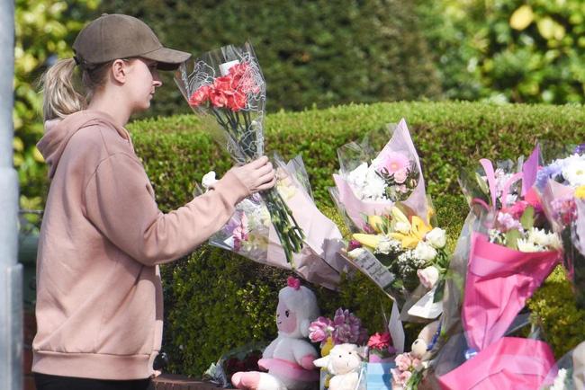 Con gái 4 tuổi bị đâm chết trên đường đi học, hành động của bố mẹ bé đã khiến người lạ cúi đầu - Ảnh 6.