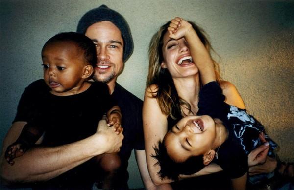 Những giọt nước mắt và nụ cười của Angelina Jolie khi ở bên Brad Pitt suốt 12 năm - Ảnh 6
