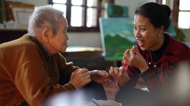 Ở tuổi 97, cụ bà này được phong là cụ bà sành sỏi Internet nhất Việt Nam - Ảnh 6.