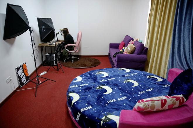 Nền công nghiệp hái ra tiền mới cho giới trẻ Trung Quốc: Chỉ cần livestream, có ngay vài chục triệu - Ảnh 6.