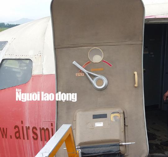 Bất ngờ với nội thất máy bay Boeing bỏ rơi 10 năm ở Nội Bài - Ảnh 6.