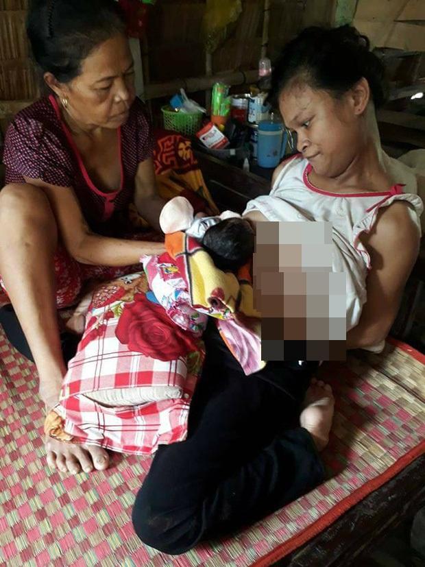 Xót cảnh người mẹ điên ú ớ chăm con gái 10 ngày tuổi không biết mặt bố là ai vì bị hiếp dâm - Ảnh 5.